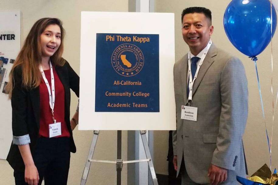 Two Mesa College Students Named to Phi Theta Kappa Academic Team