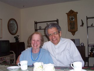 Picture of Prof. Gonzalez with wife Bette